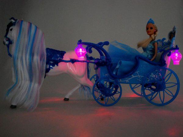karoca, kopciuszek, koń, barbie, lalka, dorożka, podświetlenie