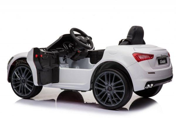 Pojazd-Maserati-Ghibli-Bialy_[33895]_1200