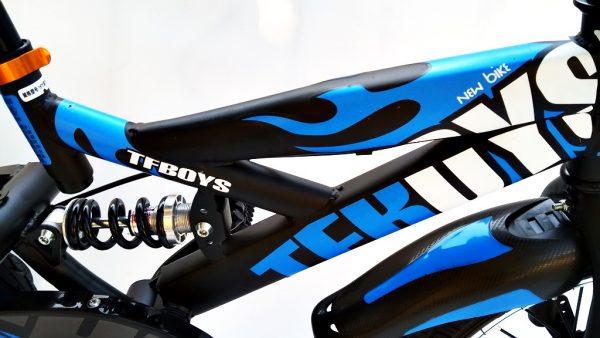 rower, rowerek, dla chłopca, 16 cali, niebieski, 16, z koszyczkiem, amortyzowany, kółka boczne