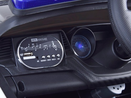 pol_pm_Auto-na-akumulator-RADIOWOZ-policja-pilot-PA0218-14586_8